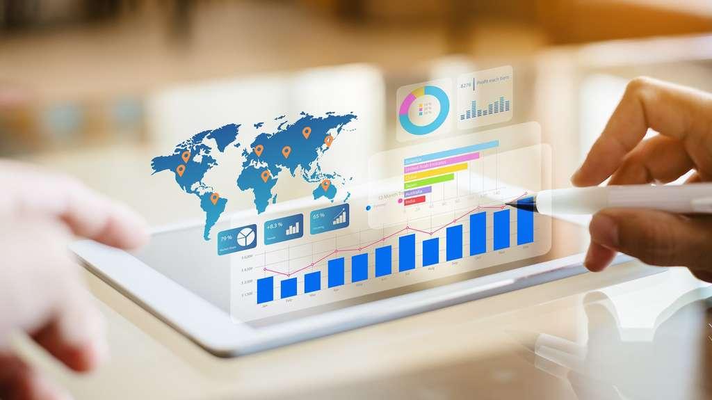 Les data analyst, grâce à leur expertise en mathématiques et statistiques permettent aux décideurs de définir des stratégies marketing adaptées aux besoins des client et du marché. © nateejindakum, Adobe Stock.