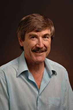 Paul Davies n'est pas qu'un spécialiste de la théorie quantique des champs en espace-temps courbes, il s'occupe aussi beaucoup d'exobiologie. Crédit : ASU Tom Story
