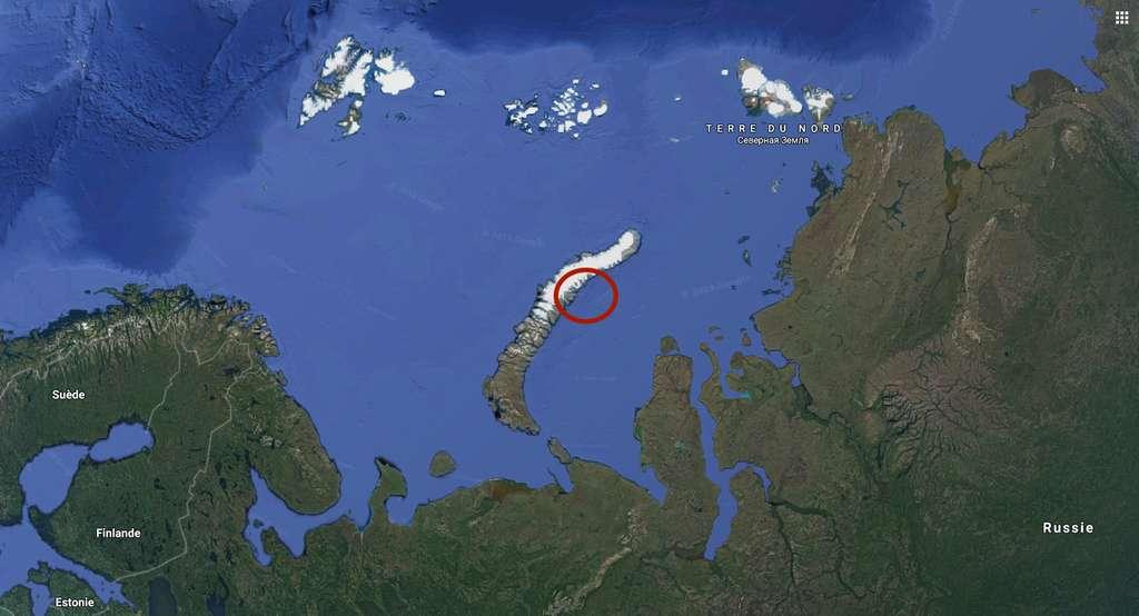 Les cinq îles étaient jusqu'à présent recouvertes par le glacier Nansen sur l'archipel de la Nouvelle-Zemble. © Google Maps