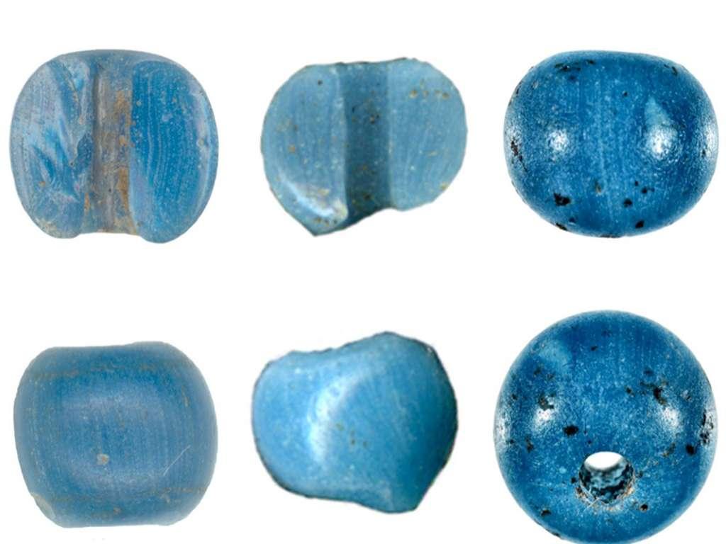 Quelques-unes des perles vénitiennes trouvées en Alaska. © American Antiquity