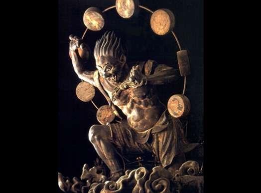 Au Japon, Raijin est le dieu du tonnerre. © Christian Bouquegneau