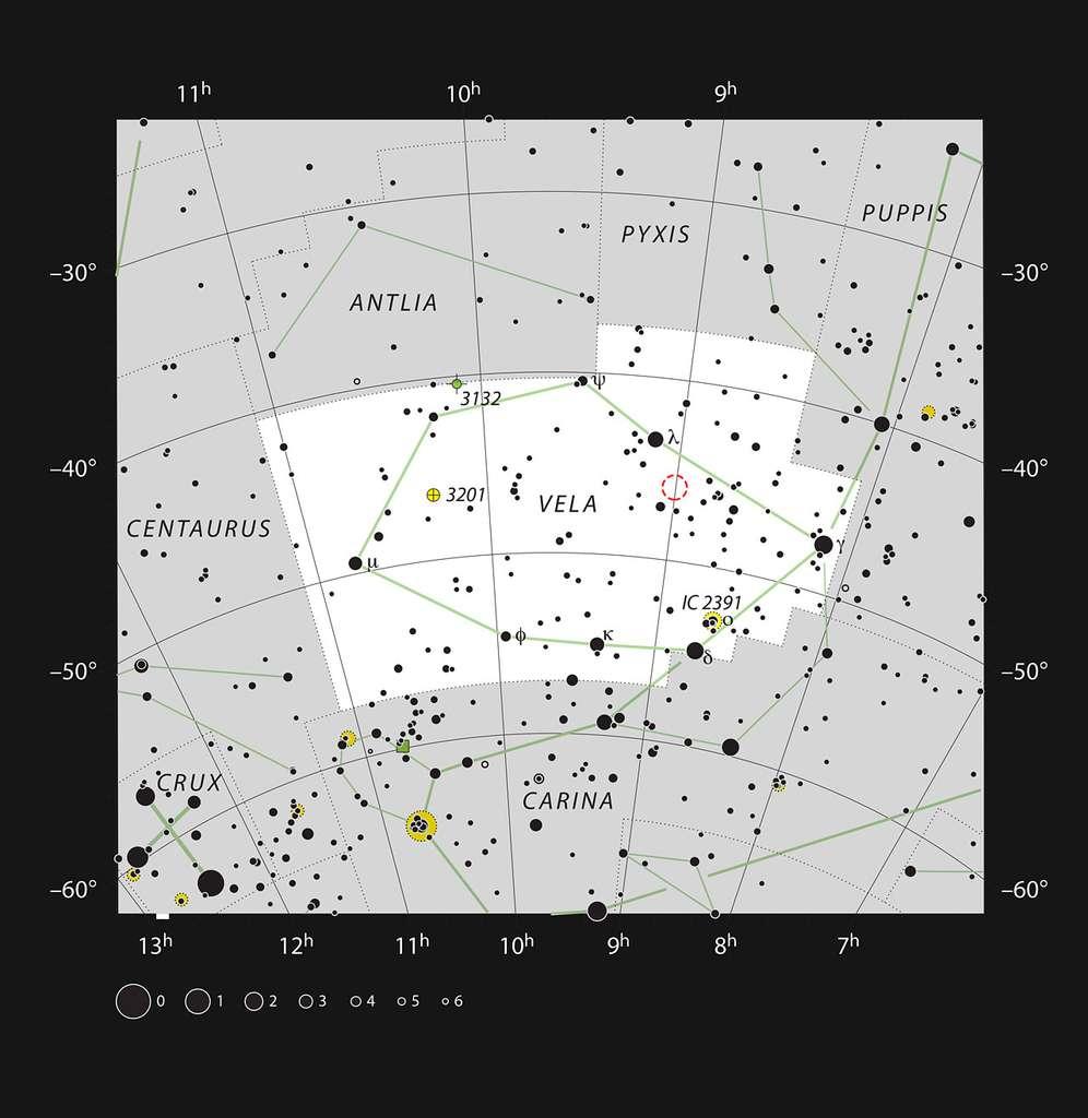 Emplacement de la nébuleuse du Crayon (NGC 2736) dans la constellation des Voiles. Cette carte montre la plupart des étoiles visibles à l'œil nu dans de bonnes conditions et la nébuleuse du Crayon est indiquée par un cercle rouge sur l'image. Il est nécessaire d'avoir un ciel bien noir et un télescope puissant pour pouvoir voir cette faible nébuleuse, telle une longue raie fine. © ESO, IAU, Sky & Telescope