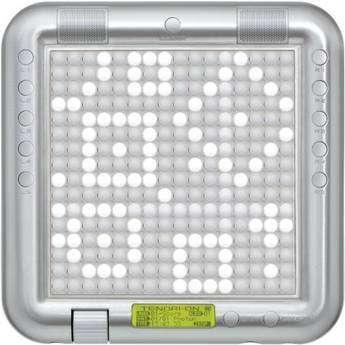 Ce cadre de 20 centimètres de côté, pour 32 millimètres d'épaisseur, abrite un séquenceur seize pistes, un générateur de sons (253 types différents) et deux écrans tactiles, l'un pour le musicien et l'autre, au verso, pour les spectateurs. © Yamaha