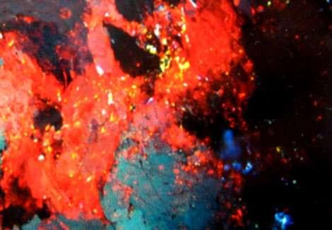 Cinabre à Almaden (lumière polarisée). © DR