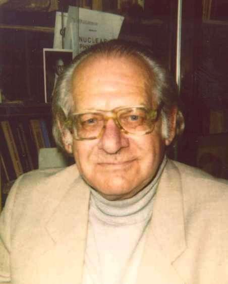 David Abramovich Kirzhnits (1926-1998) est un de ces nombreux exemples de chercheurs russes dont les contributions couvrent un large spectre de la physique, des supraconducteurs à la physique des particules en passant par la cosmologie. On lui doit aussi des travaux sur les métamatériaux. © High Energy and Nuclear Physics in Russia