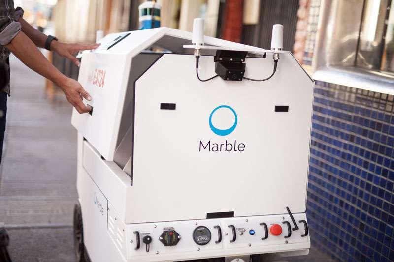 Le robot livreur Marble peut transporter l'équivalent de quatre sacs de courses. Il se déplace à l'allure d'un marcheur. © Marble