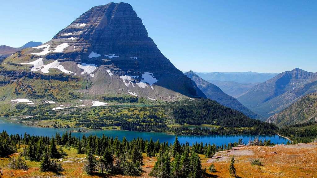 Le lac Hidden au parc de Glacier