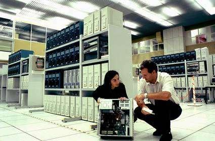 Une grappe de PC sous Linux au LHC. © Cern
