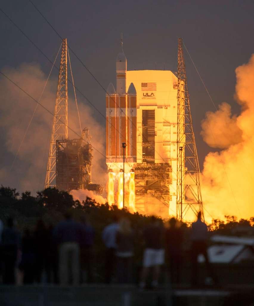 Décollage d'Orion à bord du lanceur Delta IV Heavy. © Nasa/Ula