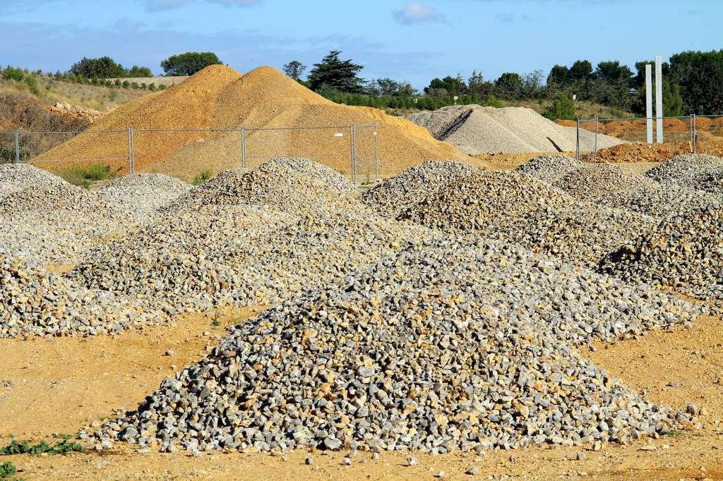 Les granulats employés pour le béton et les routes ne doivent pas être trop lisses et trop fins. © illustrez-vous, Fotolia