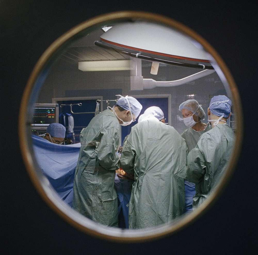 La greffe du foie est la deuxième greffe la plus pratiquée en France. © (Créteil - Hôpital Henri Mondor-greffe hépatique) Benoit RAJAU pour l'Agence de la biomédecine