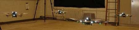 Vol en formation de 4 quadrirotors au MIT.