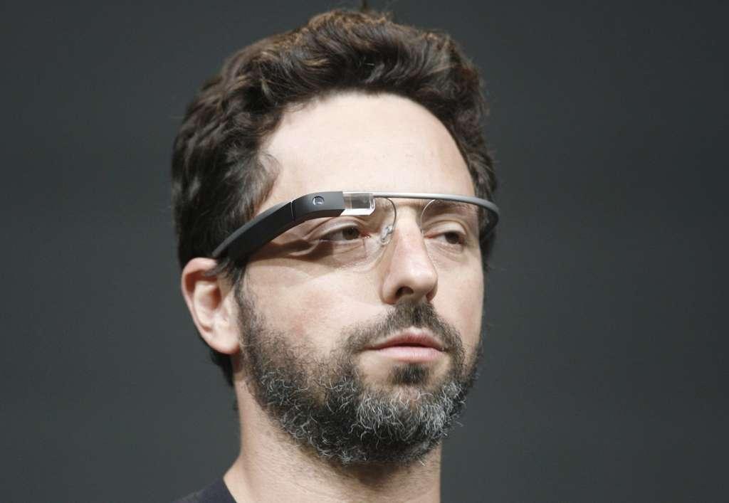 Sergey Brin, cofondateur de Google, avec les lunettes connectées, dont il avait annoncé en février la commercialisation dès 2013. © Kimihiro Hoshino, AFP