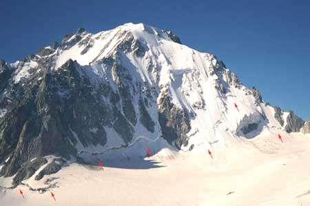 Aiguille d'Argentière (VS) 3901 m, et Glacier de Saleinaz Août 2001- Photo : Boéchat M.- Tous droits de reproduction interdit