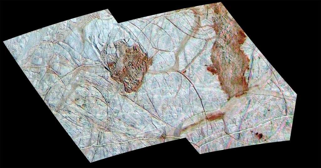 Détails de surface d'Europe, acquis lors de survols de la sonde Galileo de la Nasa. La nature des structures de surface fait encore débat. © Nasa, JPL, université de l'Arizona