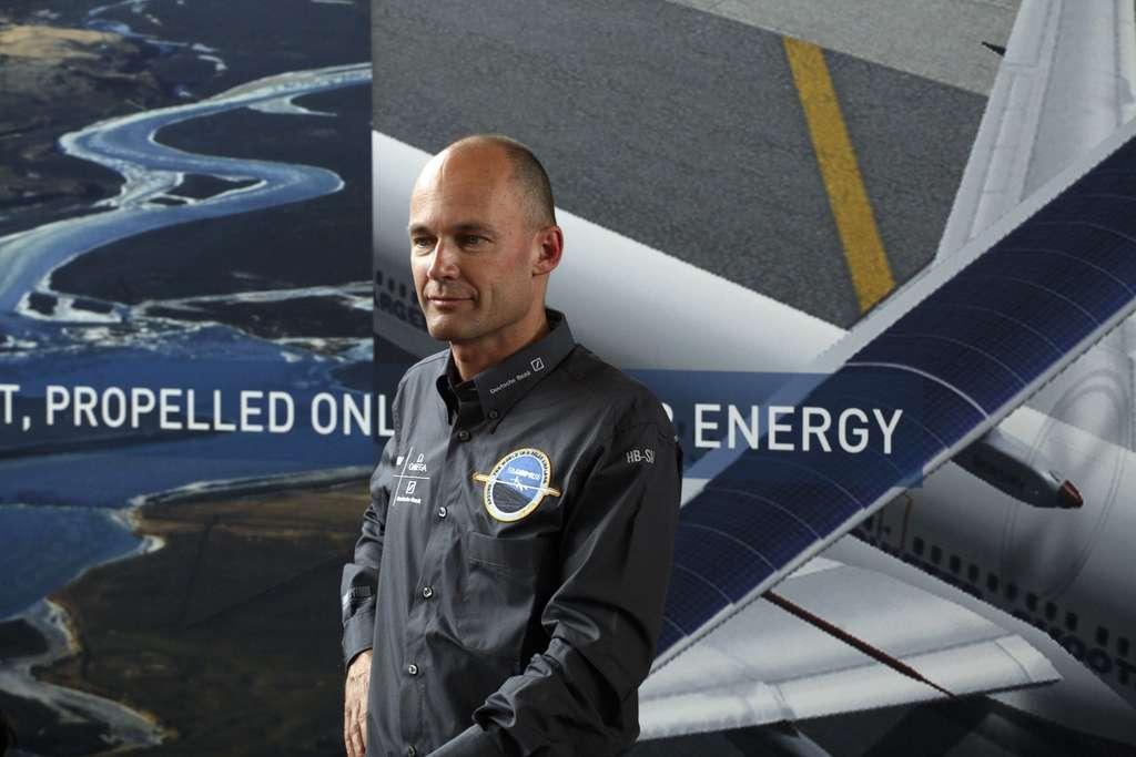 Bertrand Piccard est à la fois psychiatre, aéronaute et explorateur. Le président de Solar Impulse est ici photographié à l'occasion du vol virtuel de Dubendorf, en mai 2008. © Solar Impulse, Stéphane Gros