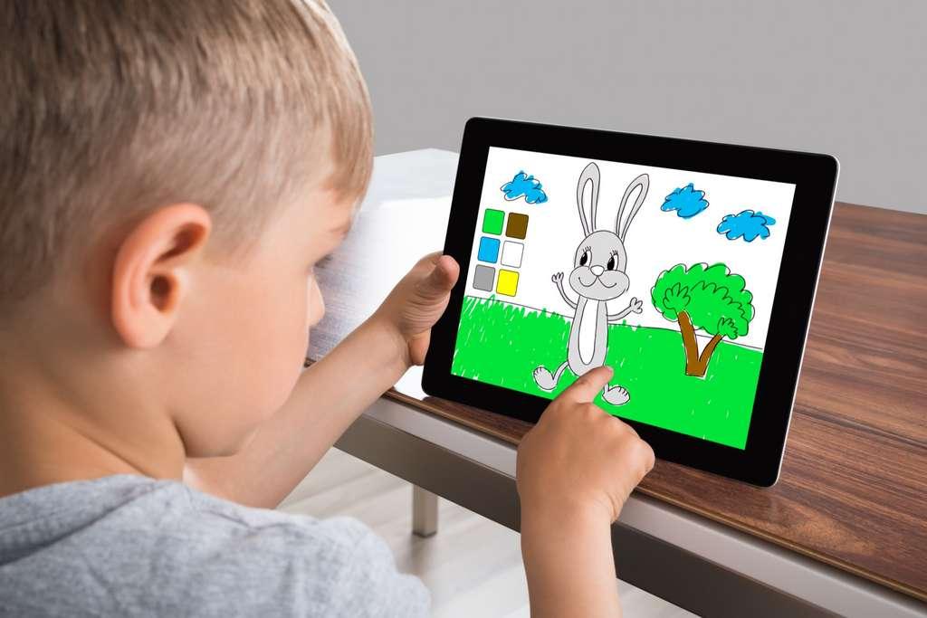 Les écrans sont-ils vraiment néfastes pour le cerveau des enfants ? © Andrey Popov, Adobe Stock