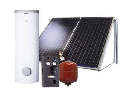 Un chauffe-eau solaire se compose de capteurs (ou panneaux),d'un ballon de stockage de l'eau, d'un vase d'expansion,d'une régulation (avec des sondes de température), et de la tuyauterie adéquate. © Elm-Leblanc - Tous droits réservés