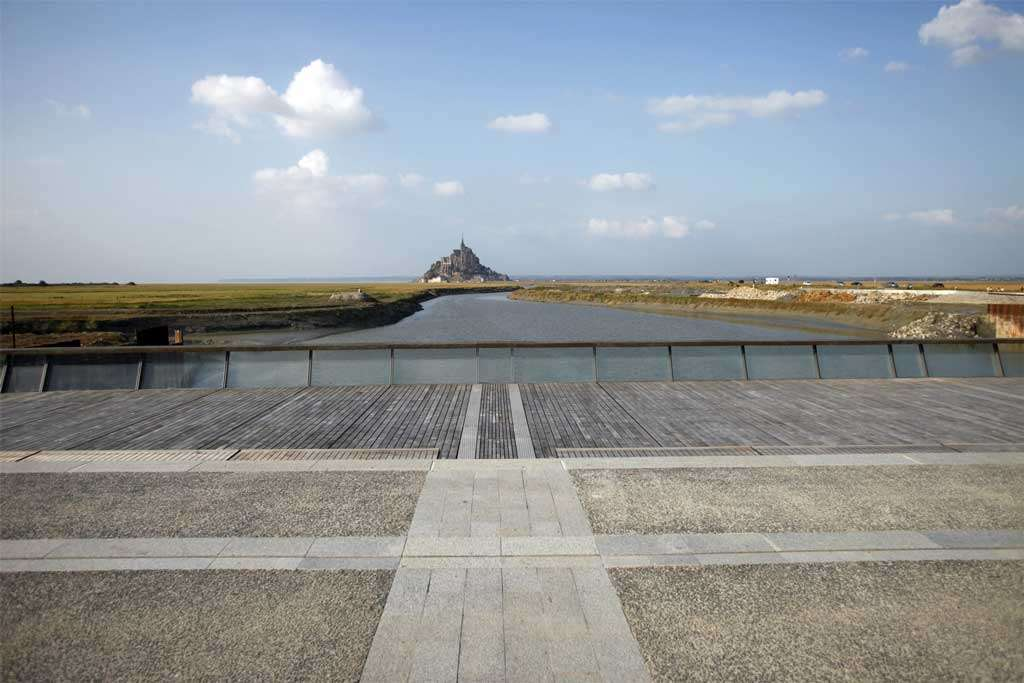 Vue du Mont-Saint-Michel depuis le barrage
