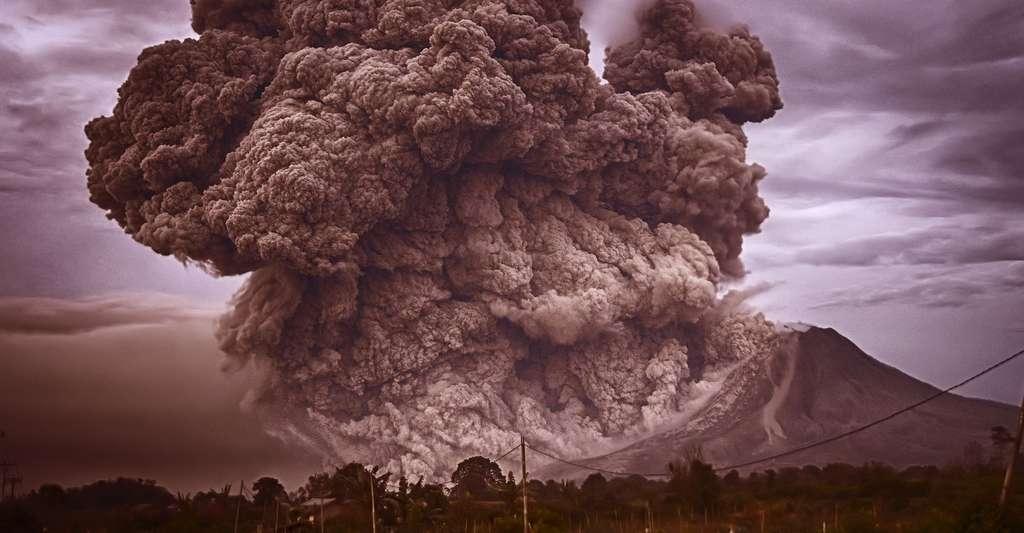 Nuage de cendres lors d'une éruption volcanique. © Pexels, DP