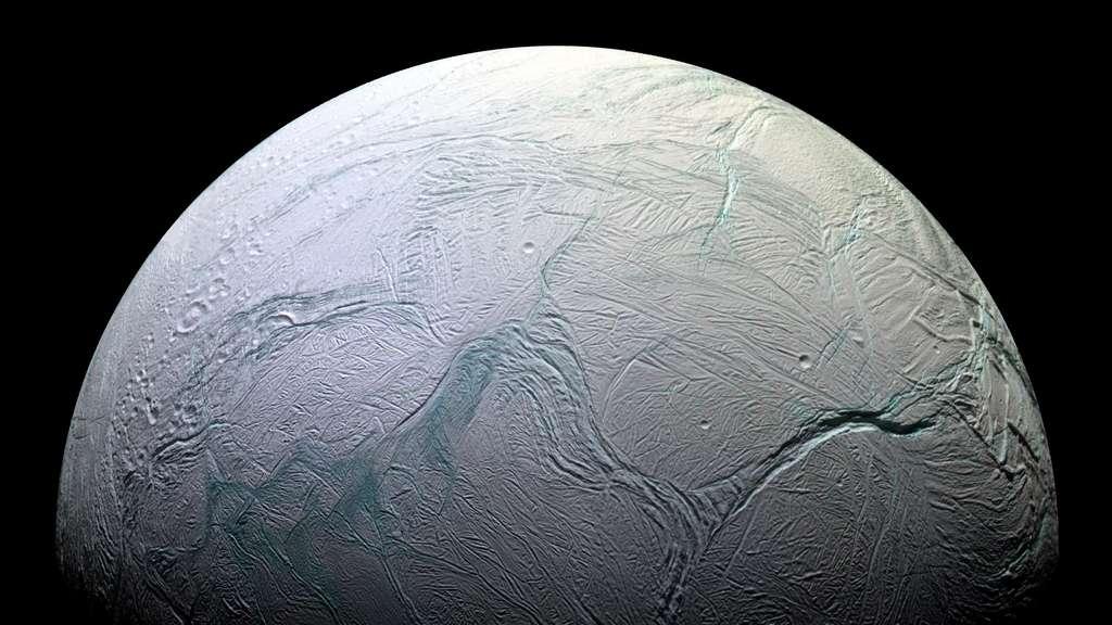 Encelade, une lune potentiellement habitable