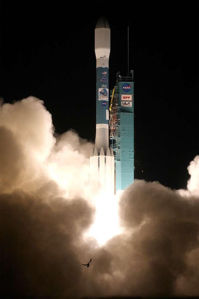 Les satellites Smap et Oco-2 seront lancés par Delta II comme ce fut le cas pour Suomi NPP en octobre 2011, ici à l'image. © Ula