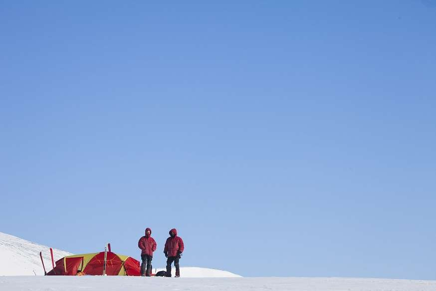 Alan Le Tressoler (à gauche) et Julien Cabon. Groenland en avril 2011,