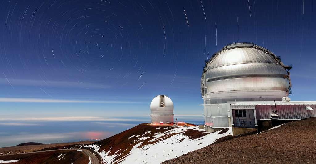 C'est grâce aux télescopes jumeaux de l'observatoire Gemini — ici, celui installé à Hawaï — que les chercheurs ont pu identifier de nouvelles étoiles doubles dans celles déjà pointées par la mission Tess pour abriter des exoplanètes. © International Gemini Observatory/NOIRLab/NSF/AURA/J. Chu