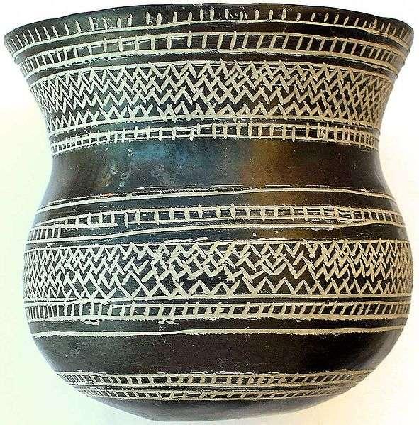 La culture campaniforme, qui doit son nom aux objets en forme de cloche qu'elle concevait, est venue d'Europe de l'Ouest il y a environ 4.200 ans, apportant ses poteries... et ses gènes. © José-Manuel Benito Álvarez, Wikipédia, cc by sa 2.5