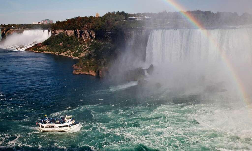 À la frontière de l'Ontario et des États Unis, les plus volumineuses chutes d'Amérique du Nord, celles du Niagara. © Antoine - Tous droits réservés