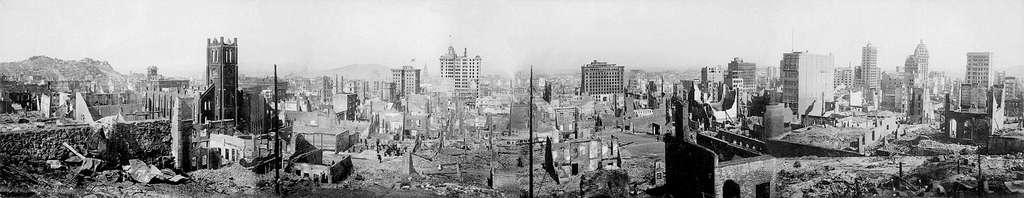 Panoramique du tremblement de terre de 1906 à San Francisco. © Domaine public
