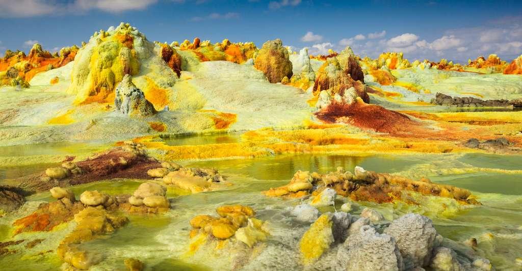 Des chercheurs ont découvert, dans la région de Dallol (Éthiopie), des organismes nanométriques vivant à des températures proches de 90 °C et dans un environnement au pH avoisinant les 0,25. © Radek, Fotolia