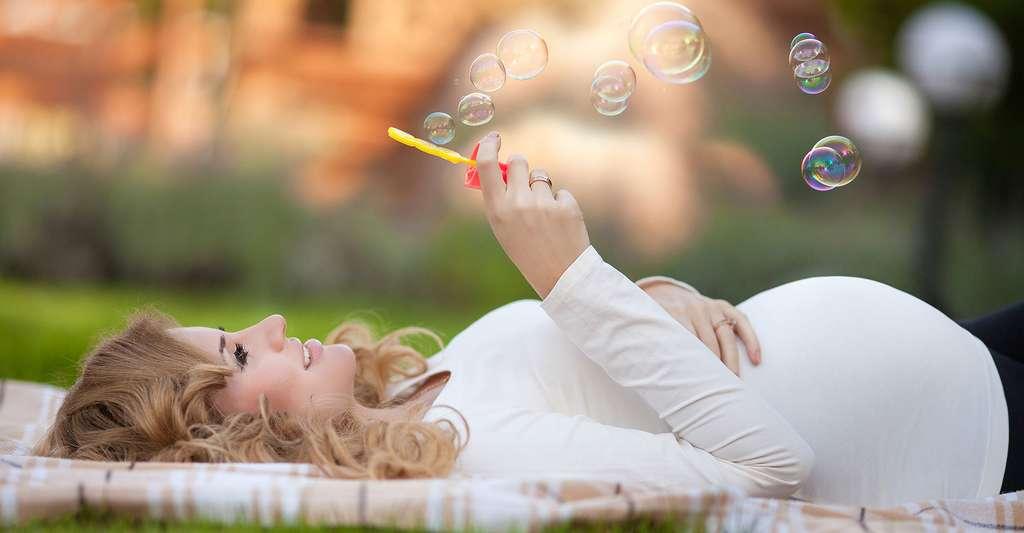 Parmi les anomalies de durée, on trouve la grossesse prolongée. © Sofia Andreevna, Shutterstock