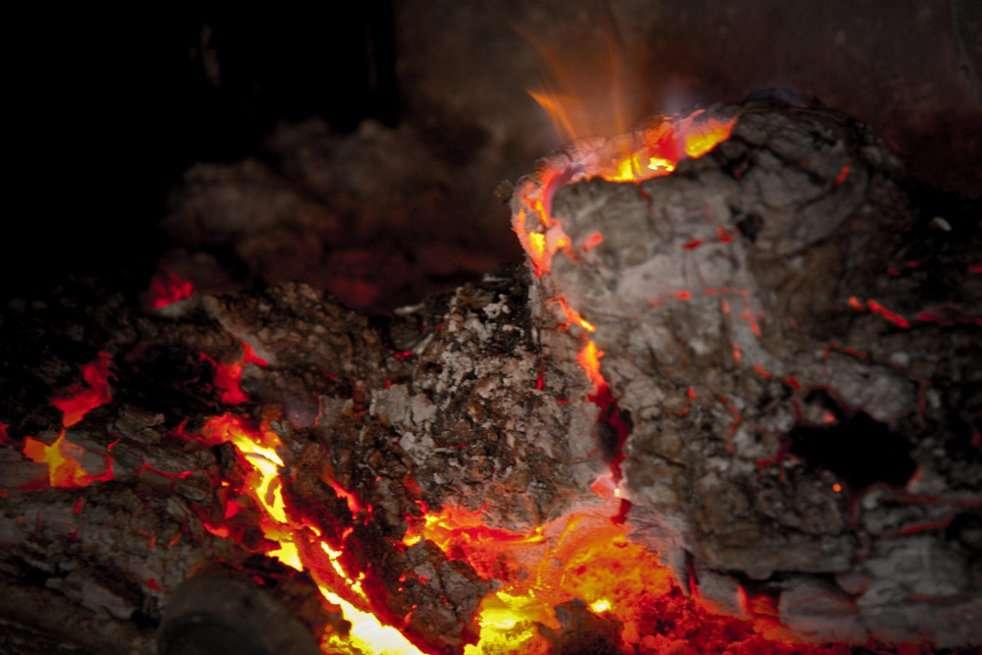 Les laves issues des volcans offrent aux géologues la possibilité d'analyser des matériaux venus des profondeurs. © favynet, Wikipédia CC