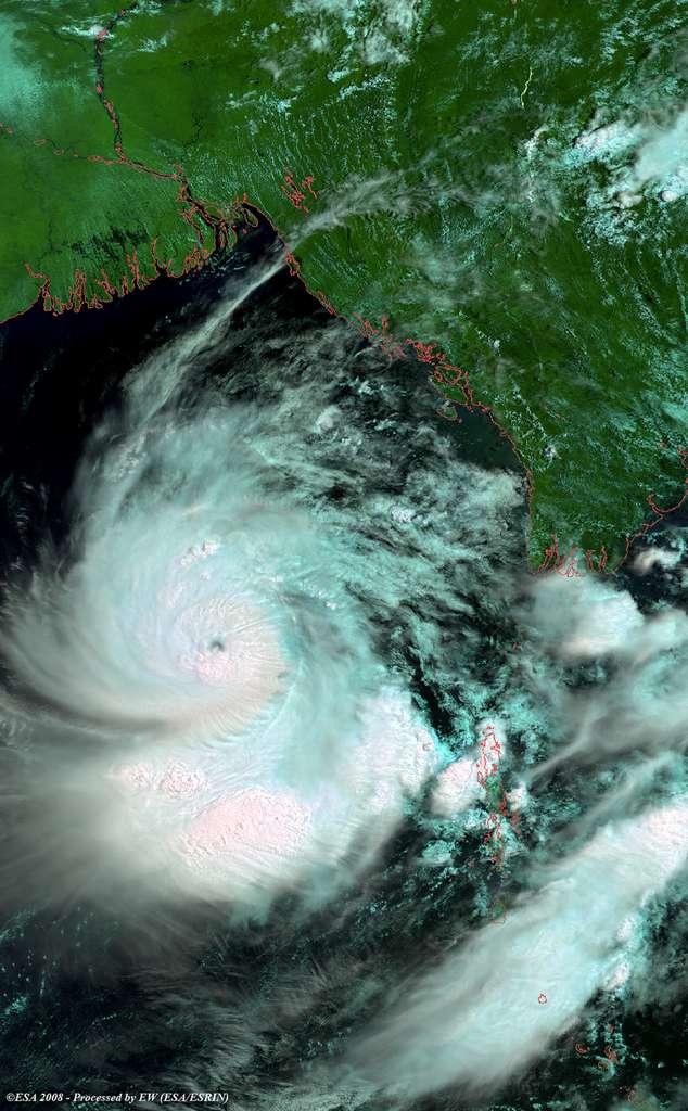 Le cyclone Nargis ayant dévasté le Myanmar (ex-Birmanie), vu par le satellite Envisat. © ESA