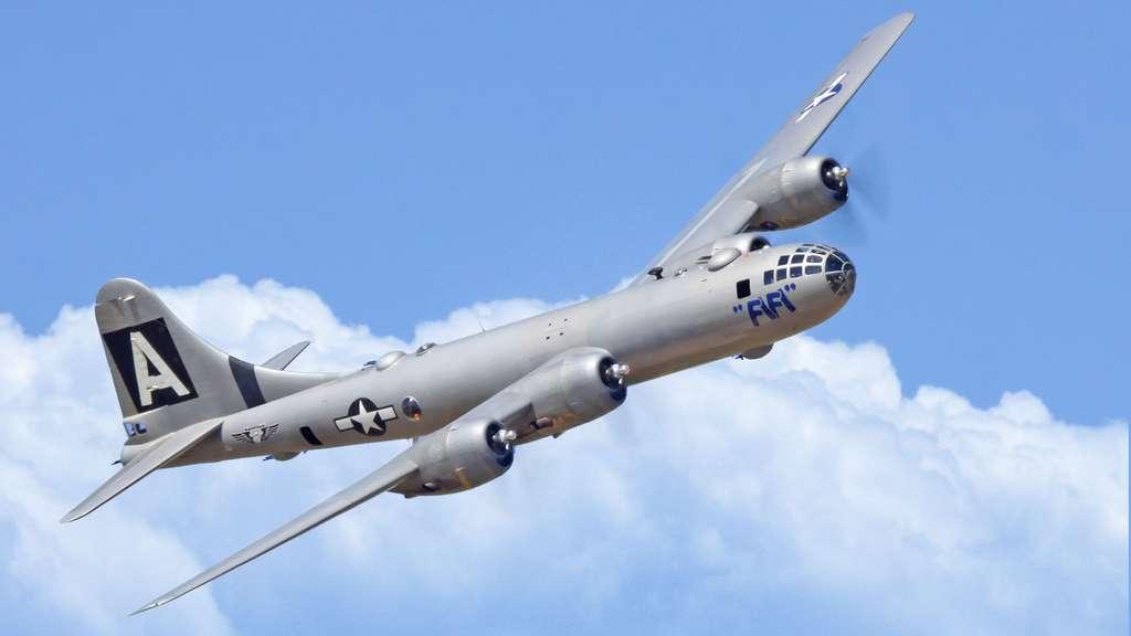 Le Boeing B-29 Superfortress et les bombardements d'Hiroshima et Nagasaki