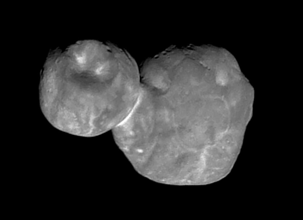 C'est à ce jour l'image la plus précise d'Ultima Thulé. Vu sous cet angle, l'astéroïde bilobé ressemble à un bonhomme de neige. Ce qu'il n'est pas finalement. © Nasa, SwRI, JHUAPL