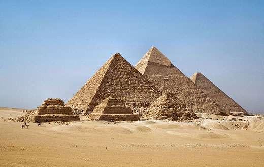 Les pyramides de Gizeh (Égypte) sont parmi les bijoux de l'histoire du monde. © Ricardo Liberato, CC by sa 2.0