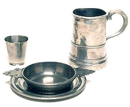 Parmi les usages connus de l'étain : la vaisselle. © Musée des civilisations, Canada