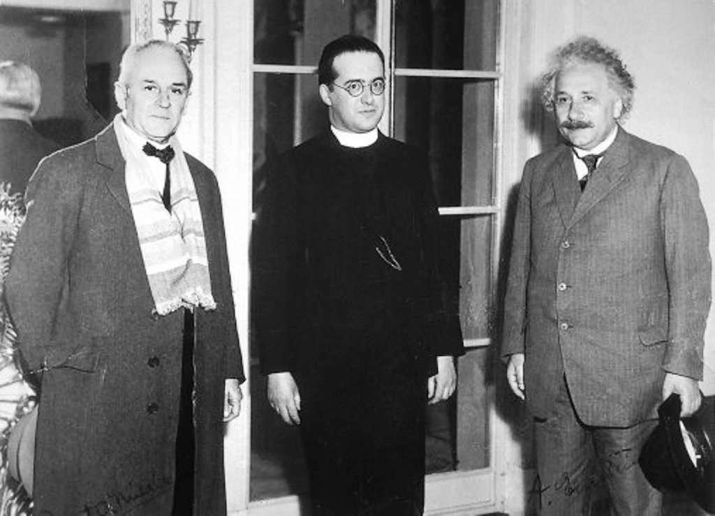 De gauche à droite : Millikan, Lemaître et Einstein. © Université catholique de Louvain