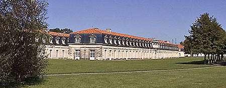 La Corderie royale, à Rochefort, du côté de la Charente. © Pep per, Wikipédia