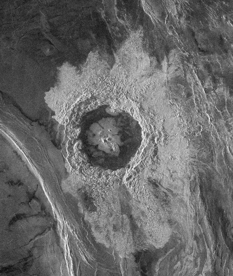 Cratère Dickinson