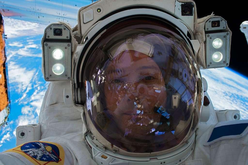 Thomas Pesquet lors d'une sortie dans l'espace dans le cadre de sa mission Proxima (janvier 2017). © Nasa, ESA