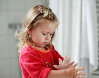 Le premier geste pour éviter la gastroentérite : se laver les mains ! © Brebca, Fotolia