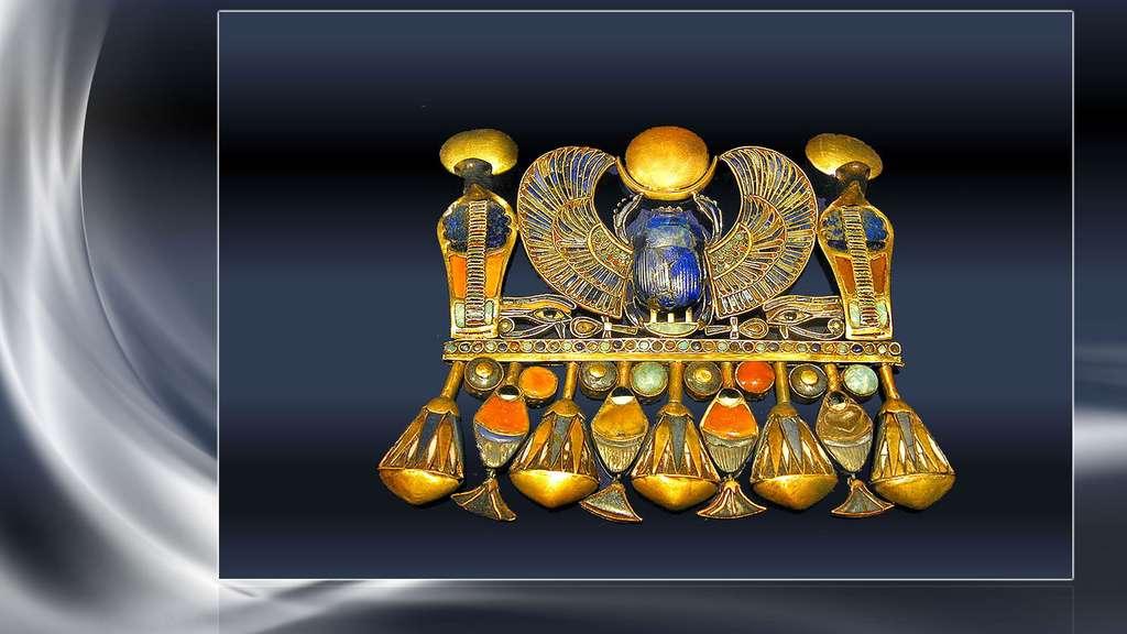 Bijou de la tombe de Toutânkhamon