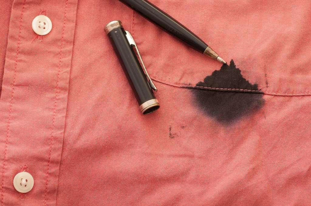 Le dentifrice efface les taches d'encre sur les vêtements. © canduscamera, Fotolia