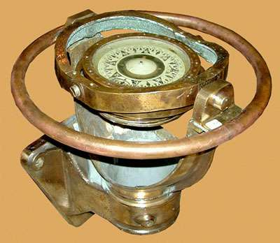 Compas de marine, cuivre et laiton