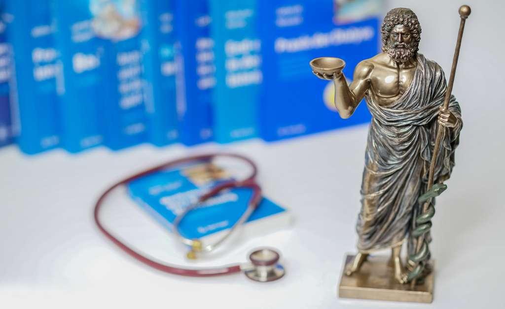 Le médecin grec Hippocrate a vécu entre 460 et 377 avant J.-C. Il parlait déjà du pouvoir guérisseur de l'eau. © ugiss, Fotolia