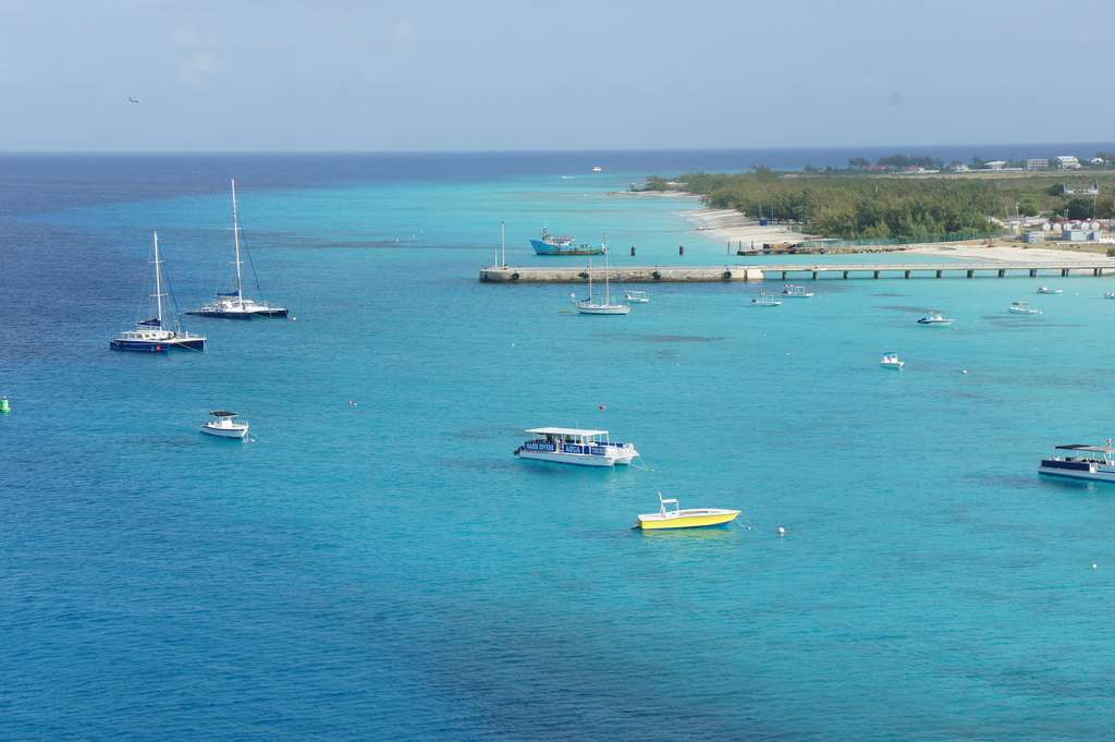 Les bateaux de plaisanciers risquent bien de remplacer tous les bateaux de pêcheurs dans la mer des Caraïbes. La sardine disparaît, les pêcheries ferment. © Gerandlg, Flickr, cc by nc sa 2.0