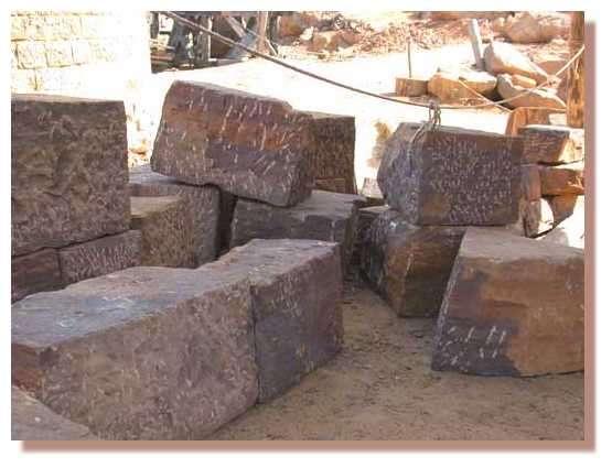 Gros blocs de pierre © Photo Guédelon